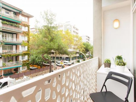 Fantastic 3-bedroom apartment close to Escola Tècnica Superior d'Enginyers de Camins - Canals - UPC