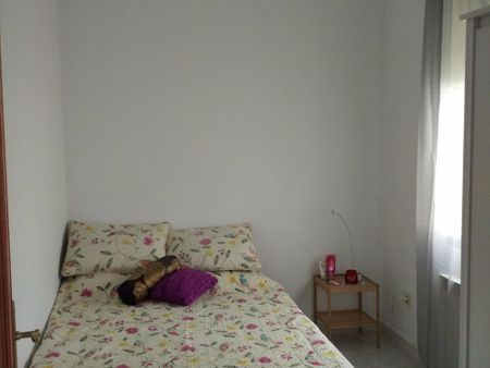 Spacious and Sunny double-bedroom between Colombia and Pio XII Metro Station