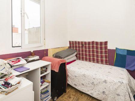 Single bedroom in a 4-bedroom flat in Argüelles