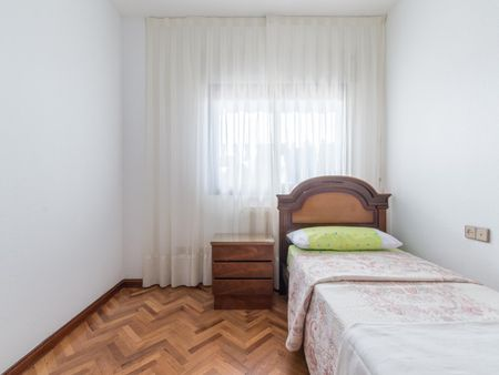 Cosy single bedroom, near Universidad Francisco de Vitoria