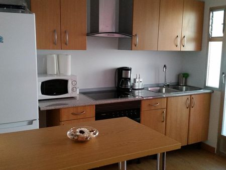 Double room in a 3 bedroom flat