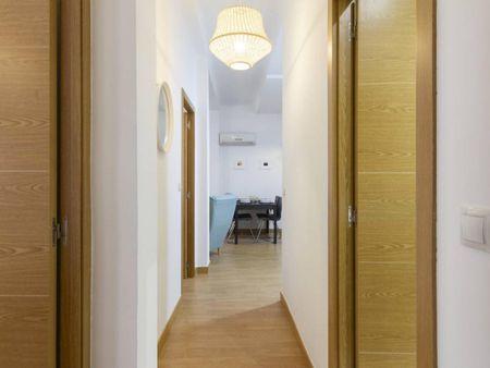 3-Bedroom apartment near Marqués de Vadillo metro station