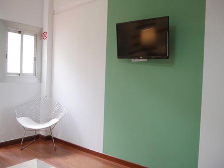 RH15-R5 Charismatic double bedroom in a student flat, in Dreta de l'Eixample.