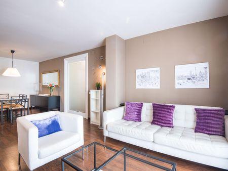 Lovely 3-bedroom apartment near Urquinaona metro station