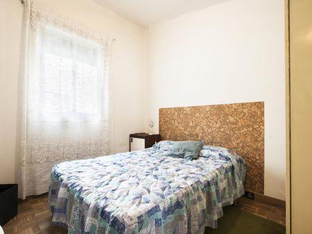 Humble 1-bedroom apartment in the Guindalera neighbourhood