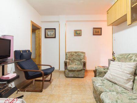 Single bedroom in a 3-bedroom flat in Ventas