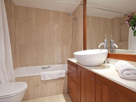 Stylish 2-bedroom apartment in Sarrià-Sant Gervasi