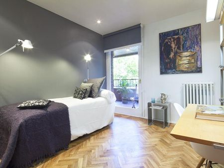 Fantastic 4-bedroom apartment in up-and-coming Sarrià-Sant Gervasi