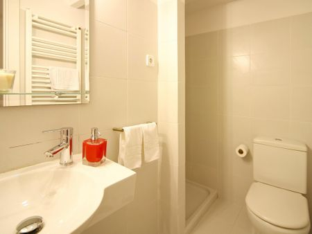Cool 3-bedroom flat close to Sol metro station