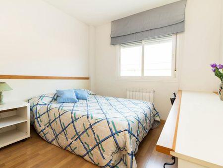 Attractive double bedroom in residential Alcalá de Henares