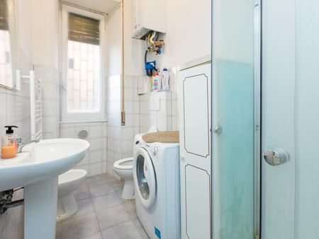 Homely single room in Ostiense