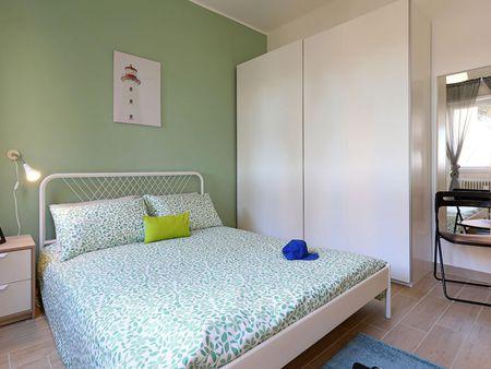 Bright double bedroom near Jonio metro station