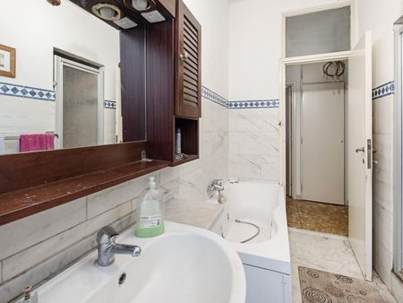 Homely double bedroom in Piazza Bologna