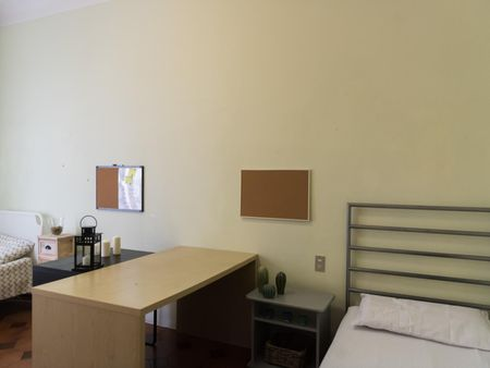 Bed in a twin bedroom near Politecnico University