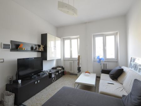 Comfy double bedroom in the Ostiense district