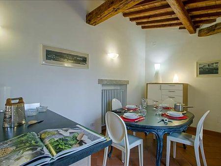 Bright 2-bedroom apartment close to Degli Studi University