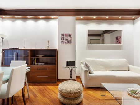 Great 2 bedroom apartment a stone's throw from Duomo