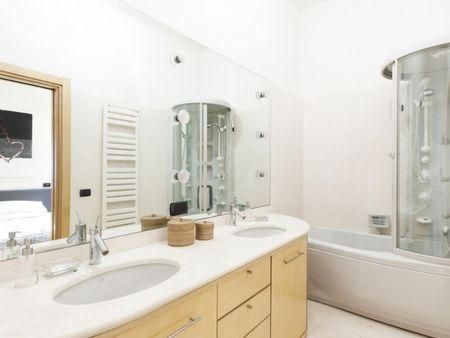 Cool 2-bedroom apartment near Palazzo Ricci-Sacchetti