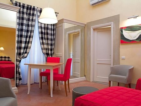 Cosy 1-bedroom apartment close to Firenze Santa Maria Novella train station