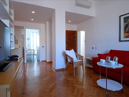Bright 2-bedroom apartment near Conca del Naviglio