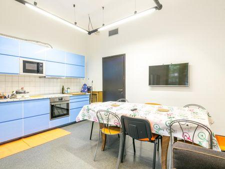Welcoming twin bedroom in student-popular Città Studi