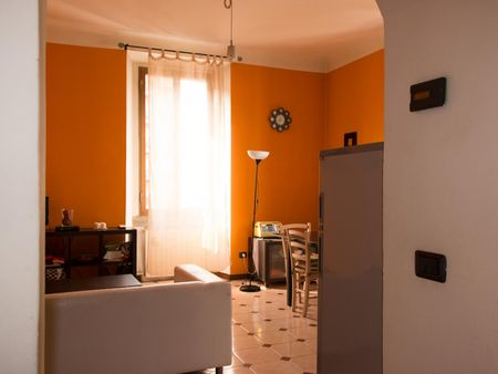 Neat single bedroom in a 2-bedroom flat, in Crescenzago