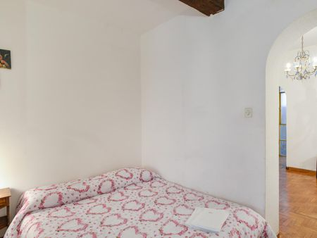 Spacious studio flat in Trastevere, next to the John Cabot University