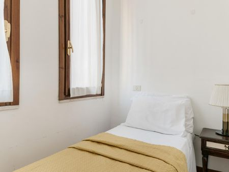 Elegant studio close to Barberini metro station