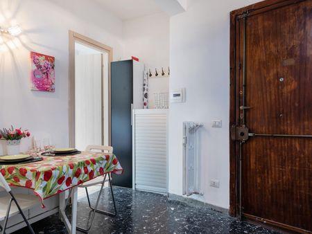 Cosy single bedroom with a balcony, near the Torpignattara train station