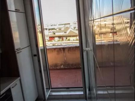 Entire Flat close to Ponte Lungo Train's Station