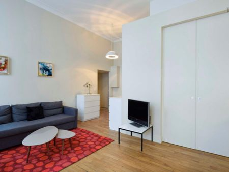 Bright & modern 1-bedroom apartment near Strasbourg - Saint-Denis subway stop