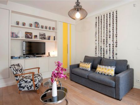 Great looking apartment in Bourse