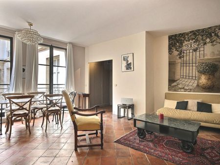 Vintage 1-bedroom apartment with a charming fireplace in Paris, next to Cathédrale Notre-Dame de Paris
