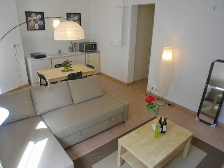 Neat studio apartment near Boucicaut metro station