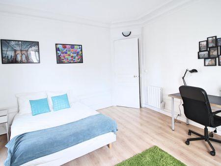Double bedroom in 3-bedroom apartment