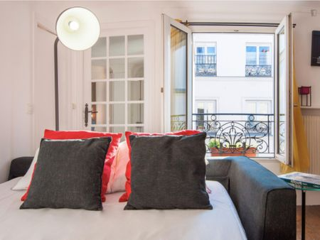 Spacious apartment in the Bourse neighbourhood