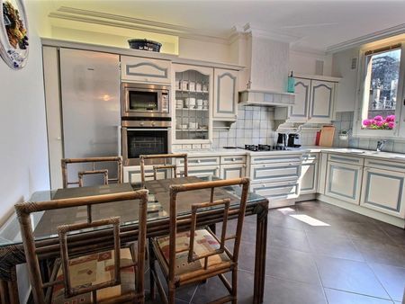 Classy 1-bedroom apartment near Cathédrale Notre-Dame