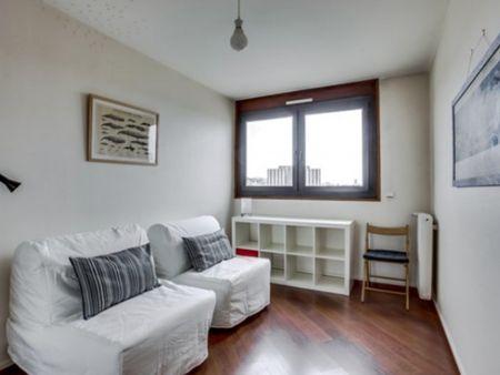 Large apartment near Garibaldi metro station