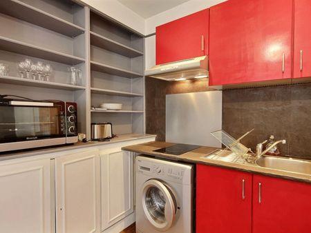 Amazing 1-bedroom apartment in Paris, near Étoile Champs-Elysées bus stop