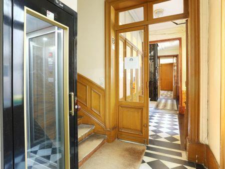 Studio Fontaine Saint Michel Paris 6ème