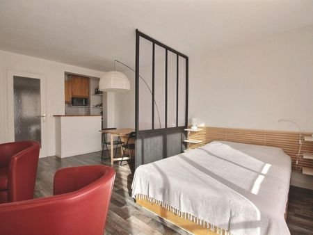 Fantastic studio apartment in Paris, near Jasmin metro station