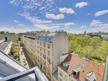 Wonderful studio with balcony, République