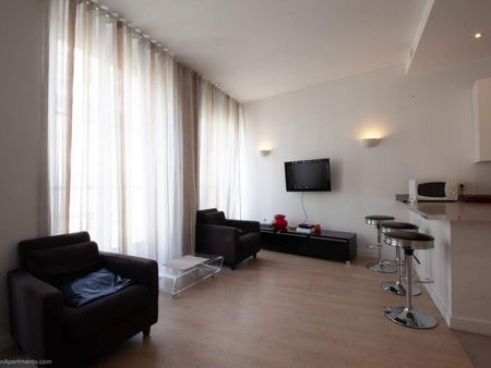 Large and modern 1-bedroom flat in Palais-Royal neighbourhood
