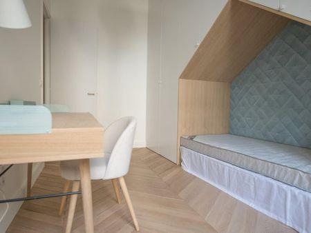 Tasteful 3-bedroom flat in 16e-Trocadero-Auteuil-Passy