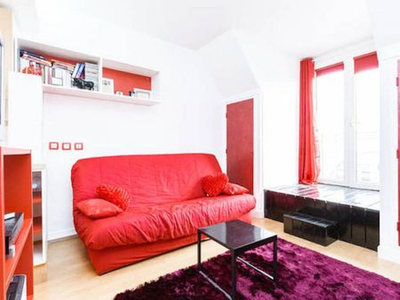 Colourful studio flat in Auteuil, close to the Jasmin metro