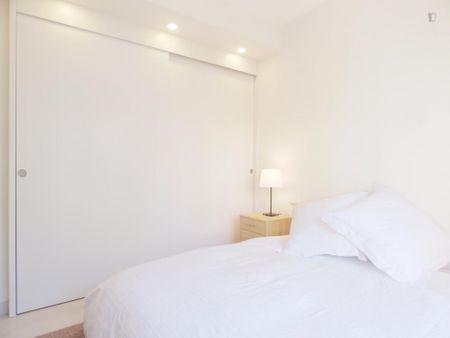 Nice two bedrooms apartment in Cuatro Caminos neighbourhood