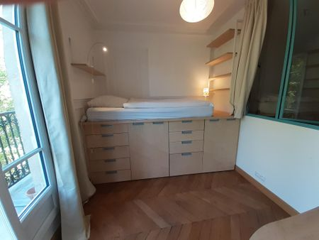 Nice single bedroom in front of La Chapelle metro station