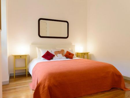 2-Bedroom apartment near Praça Luís de Camões
