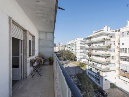 Lovely 2-bedroom apartment close to the Faculty of Architecture