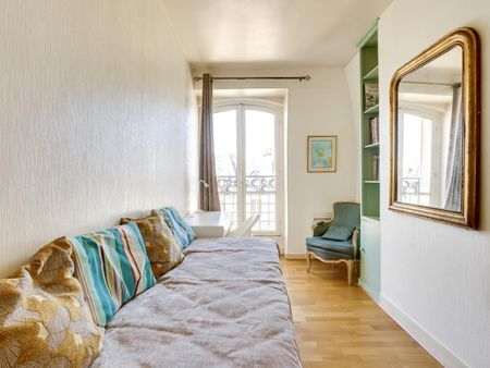 Modern 2-bedroom apartment near Ledru-Rollin metro station